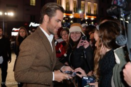Chris Pine chats with fans